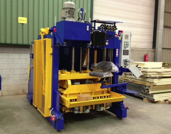 Egg Layer concrete block machine Rometa